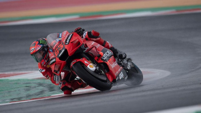 MISANO ADRIATICO, ITALY - SEPTEMBER 17: Francesco Bagnaia of Italy and Ducati Lenovo Team  rounds the bend during the MotoGP Of San Marino - Free Practice at Misano World Circuit on September 17, 2021 in Misano Adriatico, Italy. (Photo by Mirco Lazzari gp/Getty Images)