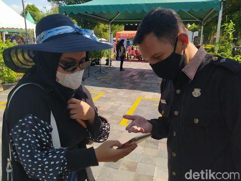 Hari Pertama Uji Coba Pembukaan Candi Borobudur Banyak Dijumpai Hambatan
