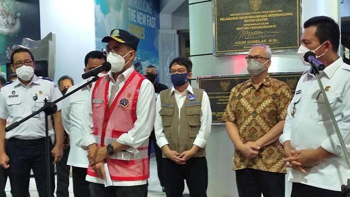 Menhub Budi Karya Sumadi saat kunker ke Batam, Kepulauan Riau (Kepri) (ANTARA/Naim/pri)