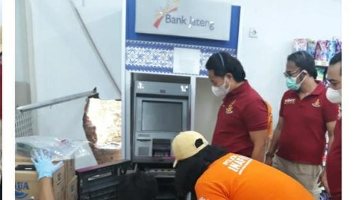 Mesin ATM yang dibobol di Semarang, Sabtu (18/9/2021).