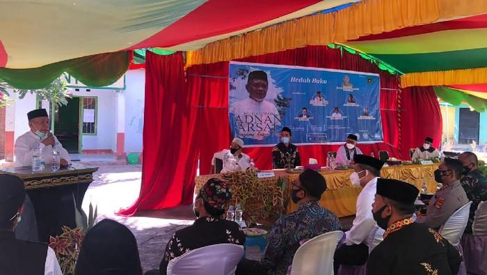 Panglima Damai Poso, Kiai H Muhammad Adnan Arsal, berbagi kisah soal konflik di Poso yang jadi catatan kelam bangsa Indonesia. Diharapkan tak ada konflik serupa