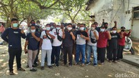Pengelola-Pedagang Pantai Anyer Protes karena Disebut Banyak Kerumunan