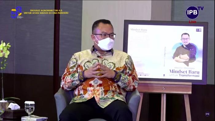 Rektor IPB Arif Satria dalam acara Bincang (E)mas Rektor dan Launching Buku Rector's Message: Mindset Baru Untuk Transformasi