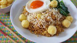 Resep Mie Instan Goreng Cheezy yang Gurih Renyah Nampol