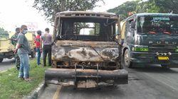 Kontainer Vs Sepeda Motor Kecelakaan hingga Terbakar di Jalanan Medan