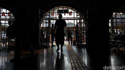 Aneka Kisah Mistis di Stasiun Kereta, Ada 3 yang Paling Angker