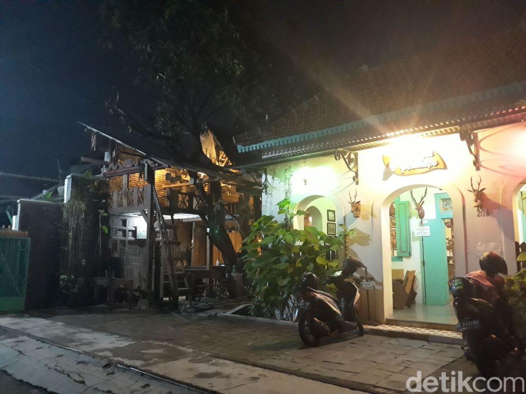 Wedangan Pendopo di Solo, Paduan Nuansa Jadul dan Sajian 'Jangan Ndeso'