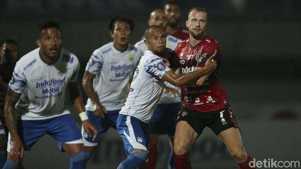 10 Pemain Bali United Tahan Imbang Persib Bandung
