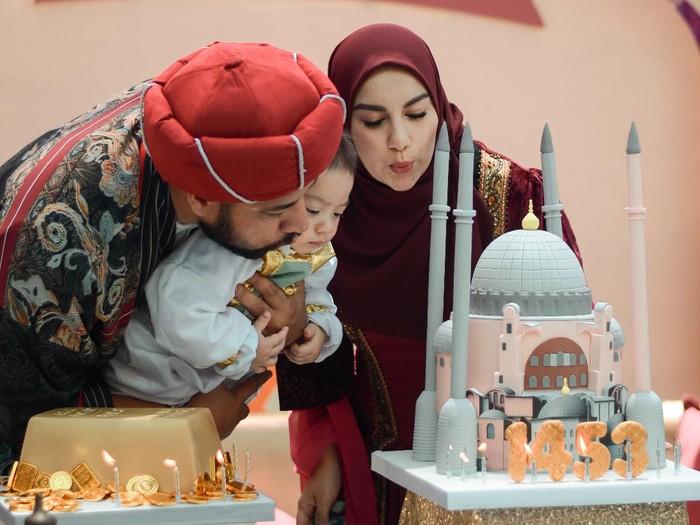 Pesta ulang tahun pertama Air Rumi Akbar 1453, putra Ammar Zoni dan Irish Bella