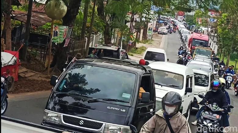 Arus Kendaraan Menuju Tempat Wisata Ciwidey Ramai Lancar Minggu (19/9/2021).