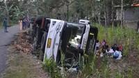 Bus Wisata Rombongan Nakes RSUD Kota Semarang Terguling di Gunungkidul