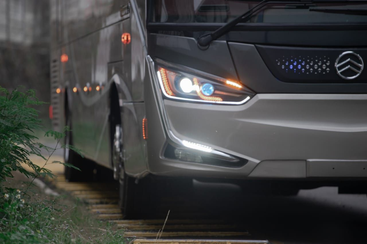 Bus single glass Laksana Legacy SR2 Panorama yang akan digunakan PO SAN