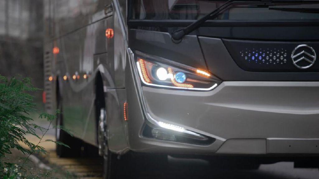 Uniknya Bus Single Glass PO SAN Buatan Laksana, Pakai Sasis Langka