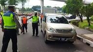 Hari Ke-3 Gage di TMII, Masih Ada Mobil Pengunjung Diputarbalikkan