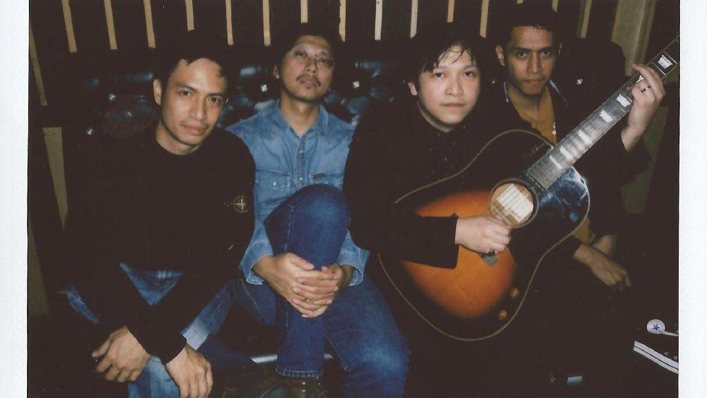 Debut Album Holy City Rollers Dirilis Ulang