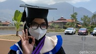Kisah Inspiratif Gadis Pengidap Kanker Otak Jadi Lulusan Terbaik Uniga