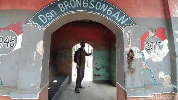 Sementara itu, Ketua Tim Ahli Cagar Budaya (TACB) Kabupaten Magelang, Muhammad Taufik mengatakan, bangunan tersebut merupakan pos jaga peninggalan Belanda. Keberadaan bangunan ini belum ditetapkan sebagai cagar budaya.