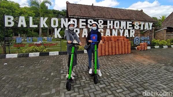 Untuk pagi hari penyewaan skuter ini bisa ditemukan di Homestay Asyuban, Dusun Tanjungsari mulai pukul 06.00 sampai pukul 13.00 WIB dengan sistem booking. Kemudian, untuk sore hari mulai pukul 15.00 sampai pukul 21.00 WIB, di depan pintu masuk Candi Borobudur. (Eko Susanto/detikTravel)