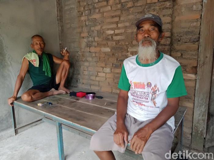 Paiman (berjenggot) miliarder baru di Klaten ini justru galau usai terima uang ganti rugi proyek Tol Yogya-Solo.