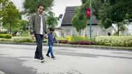 Potret Bahagia Jokowi Melepas Rindu ke Jan Ethes