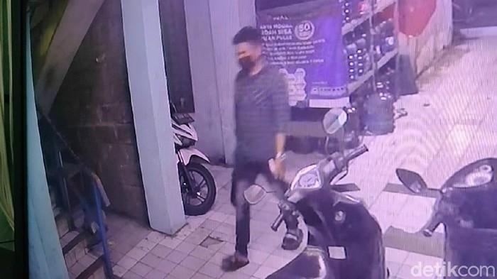 Pria tewas saat live TikTok sempat terekam CCTV (Karin Nur Secha/detikcom)