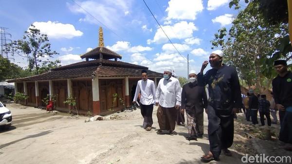 Syaifullah menyebut pondok pesantren Nurul Musthofa memiliki luas 4 hektare yang berada tepat di kawasan hutan yang dikelola KPH Kebonharjo. (Arif Syaefudin/detikcom)