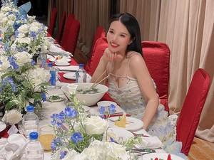 10 Potret Wendy Yu, Crazy Rich China Saat Bersantap Mewah