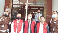 3 Tersangka Korupsi Anak Usaha JakTour Ditahan Kejati DKI