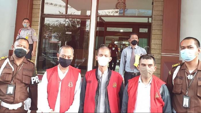 3 tersangka korupsi anak perusahaan JakTour ditahan Kejati DKI