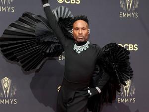 Aktor Billy Porter Tampil dengan Sayap di Emmy Awards 2021: Aku Ibu Peri