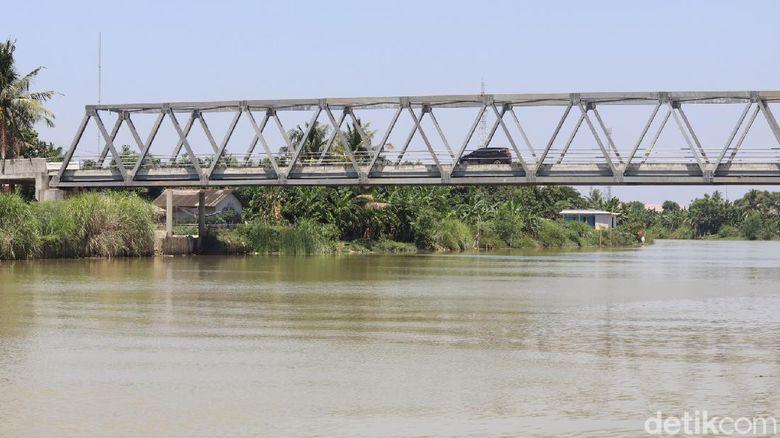 Jembatan Muara Gembong atau Jembatan Jokowi di Kabupaten Bekasi.