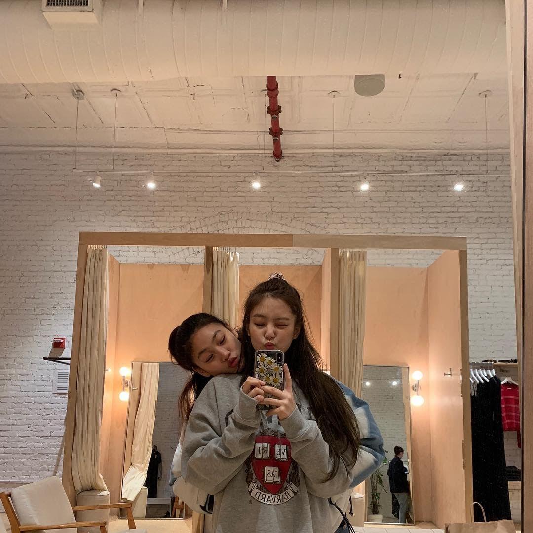 Jung Ho Yeon dan Jennie BLACKPINK