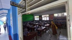 1.296 Sekolah Jadi Klaster COVID-19, Sekolah Tatap Muka Bakal Dilanjut?