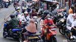 Biker Lawan Arus, Pasar Ciputat Makin Semrawut