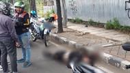 Pemotor Terkapar Simbah Darah Usai Hantam Trotoar di Tangerang