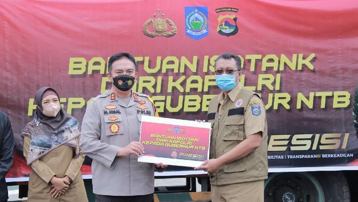 Pemprov NTB terima bantuan 20 ton oksigen dari Kapolri Jenderal Listyo Sigit Prabowo untuk penanganan COVID-19