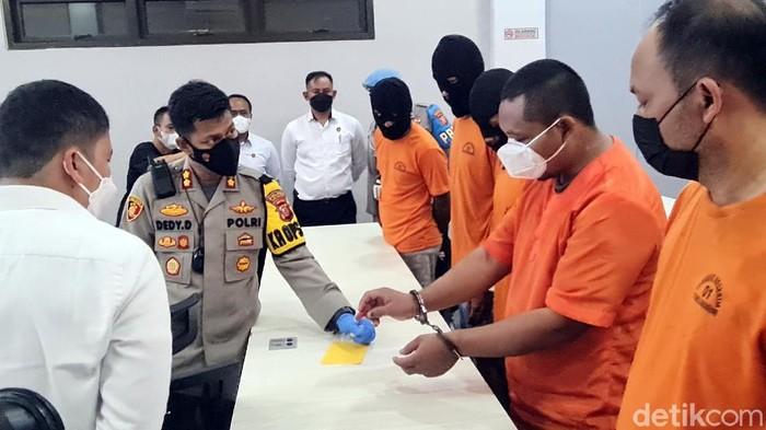 Pencuri di Sukabumi bobol motor hanya 10 detik