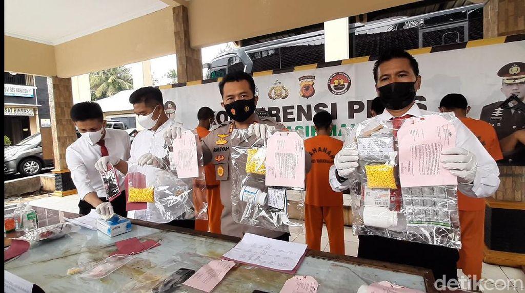 Penjual Es Kelapa Nyambi Edarkan Obat Terlarang di Tasikmalaya