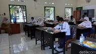 Muncul Klaster Sekolah, Pengamat: Tolong Pemerintah Hargai Nyawa Anak Kita
