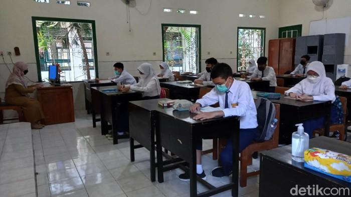 PTM Hari Pertama di SMPN 5 Kota Yogyakarta