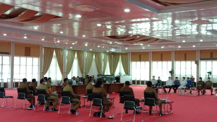 Rapat Gubsu Edy bersama Pemko Medan dan Pemkab Deli Serdang (Ahmad Arfah-detikcom)