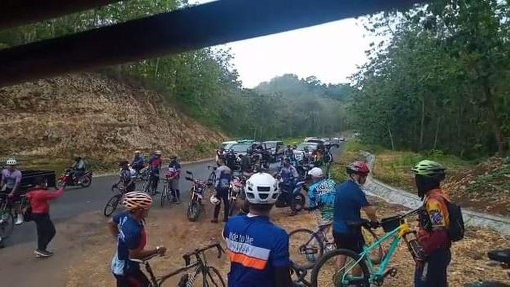 Polisi Selidiki Pelanggaran Rombongan Gowes Walkot Malang Masuk Pantai Selatan