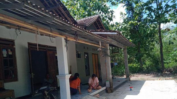 Tujuh keluarga di Dusun Pasekan Desa Ngabeyan Kecamatan Karanganom terancam terisolir gegara proyek tol Yogya-Solo