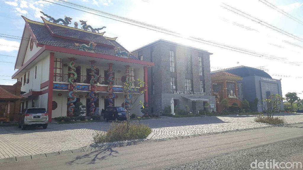 Adem Banget, 6 Tempat Ibadah di Surabaya Ini Saling Berdampingan