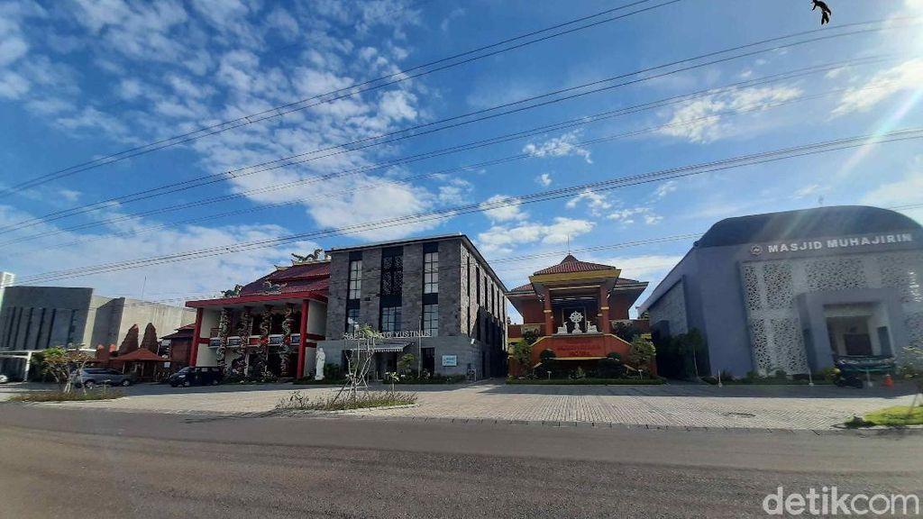Bagaimana 6 Tempat Ibadah di Surabaya Ini Berdampingan, Begini Ceritanya
