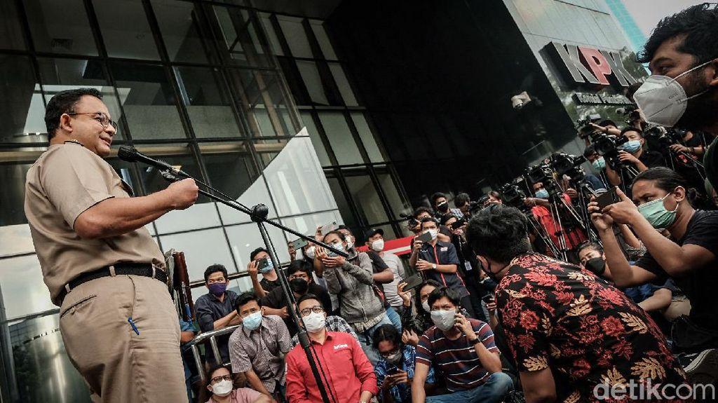 Anies Baswedan Selesai Diperiksa KPK, Muncul Massa Demo
