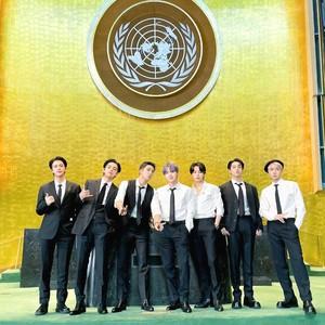 BTS Pidato di UNGA PBB, Intip 7 Gaya Mewahnya Pakai Jam Tangan Miliaran