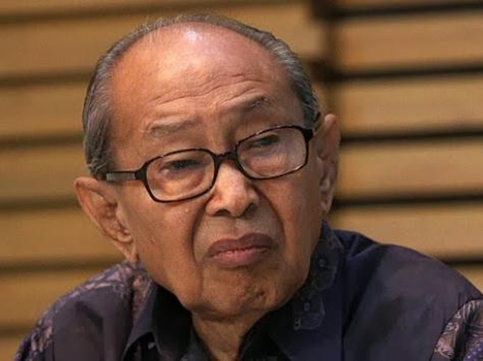 Pakar Hukum Indonesia Prof Dr Jacob Elfinus Sahetapy SH MA tutup usia. Keluarga besar Universitas Kristen (UK) Petra Surabaya turut berdukacita.