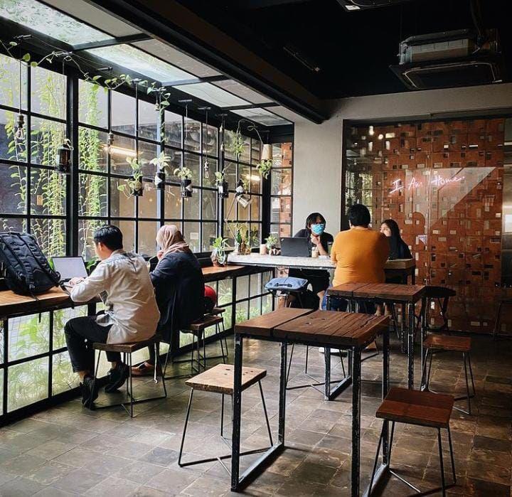 5 Kafe Hidden Gem Ini Cocok Buat Tempat 'Work From Cafe'