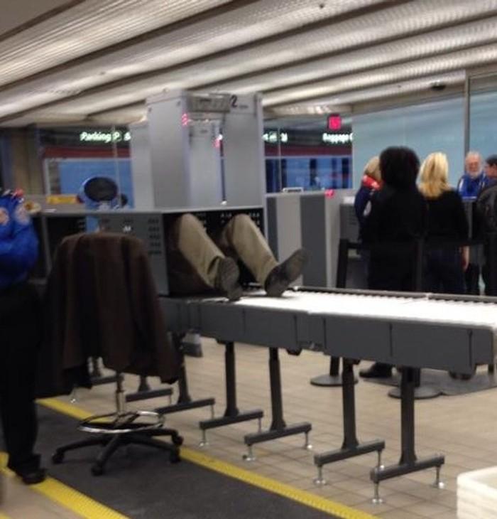 kejadian di bandara